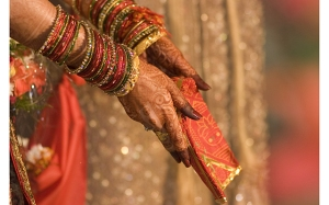 henna on hands, Indian bride, traditional Hindu wedding